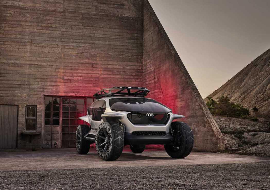 Audi AI:TRAIL quattro則為品牌旗下第四款純電概念車型,充份詮...