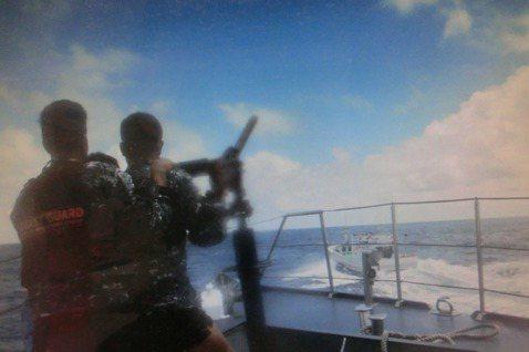 菲律賓的馬尼拉地方法院18日上午針對2013年台灣漁船「廣大興28號」遭菲律賓海...