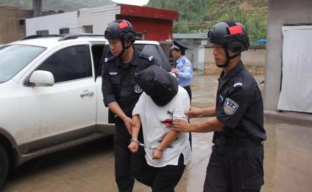 賀莉在殺害姐夫18年後被警方逮捕。圖擷自網易號