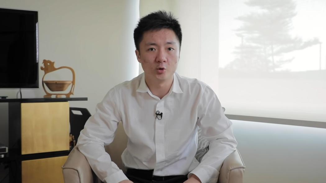 HKA老闆鍾培生透過影片回應Chawy工作證一事/圖片截自Youtube