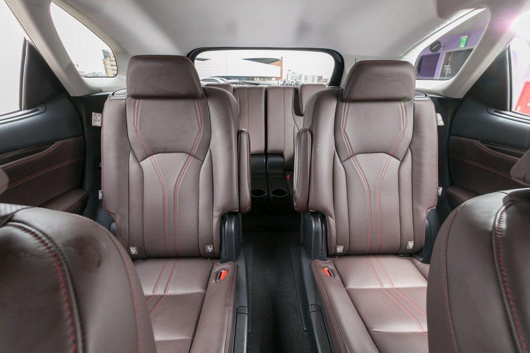 LEXUS RX新增六人座車型。 記者陳立凱/攝影