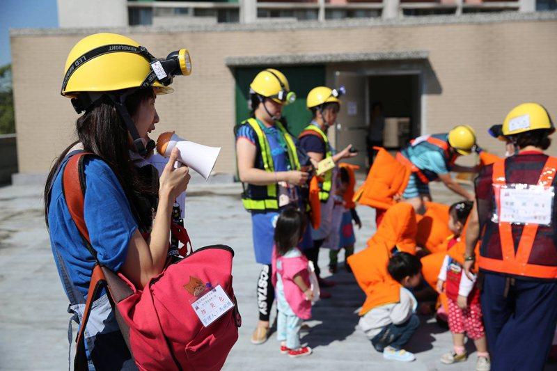 幼兒園沒有升學壓力,教保人員可以把許多防災議題融入在各項教保活動中。 圖/作者自攝