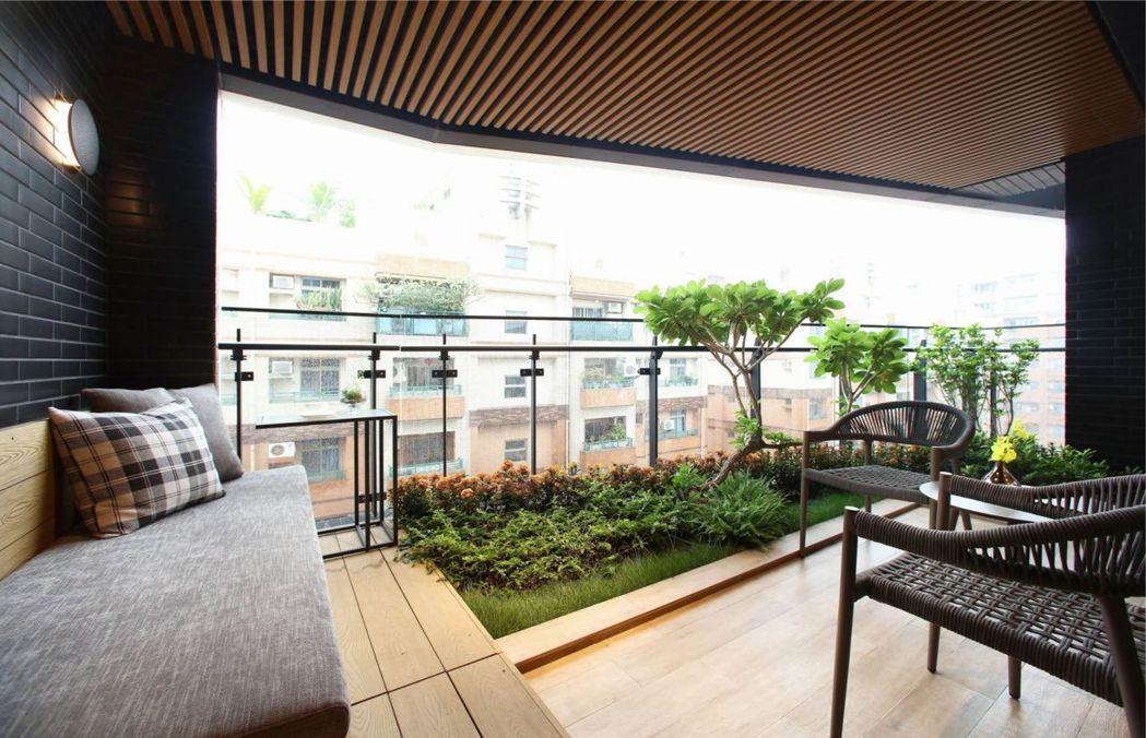 3mx5m綠意大院子,頂級機能廚房,沐光而隱的歇心之室。圖片提供/頂誠建設