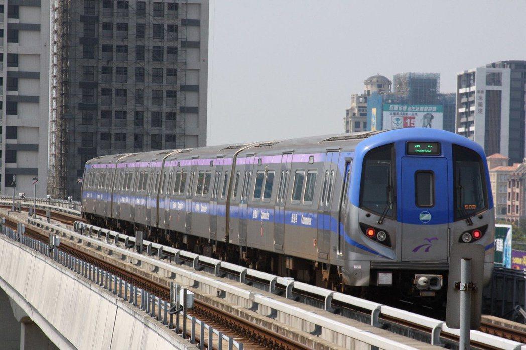 桃園機場捷運今天傳出列車故障消息,下午一輛從A1台北車站開往機場方向的203車次...