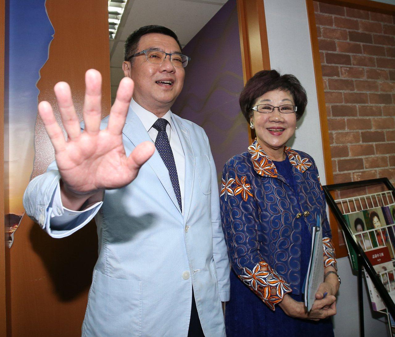前副總統呂秀蓮上午與民進黨主席卓榮泰會面。記者林澔一/攝影