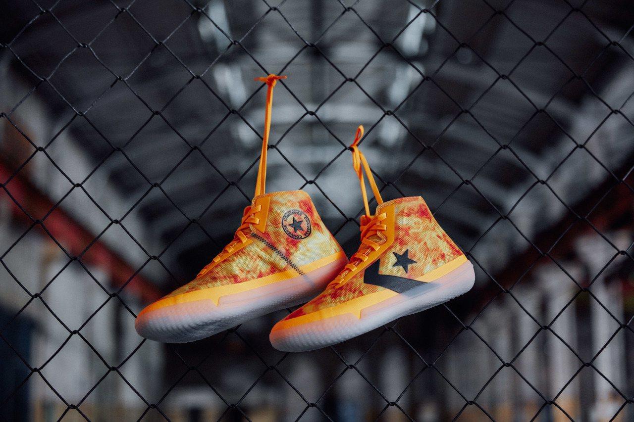 Converse All Star Pro BB Flames 鞋款售價3,68...