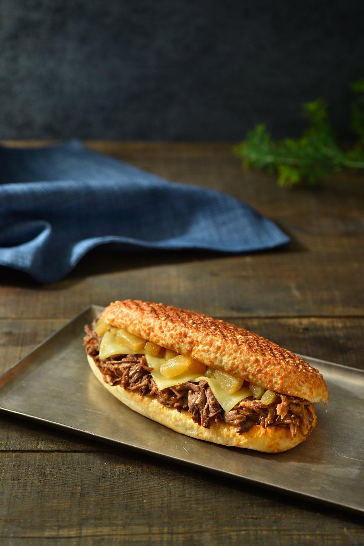 紐奧良風牛肉帕里尼,250元。圖/星巴克提供
