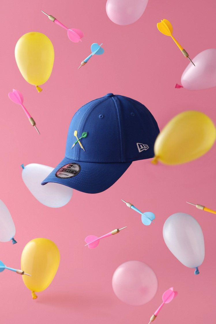 New Era水球飛鏢潮帽,售價1,380元。圖/New Era提供