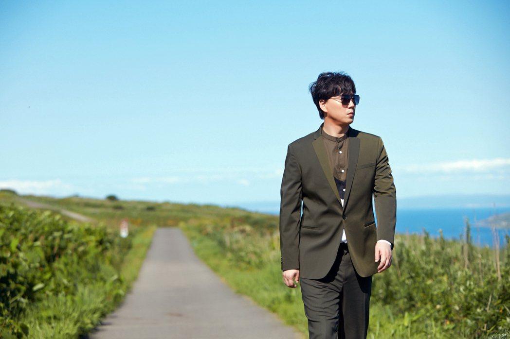 蕭煌奇「候鳥」MV赴日本海鳥樂園之島拍攝。圖/環球音樂