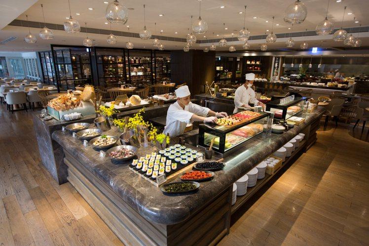 台北君悅酒店自助餐廳凱菲屋10月將調漲價格。圖/台北君悅酒店提供