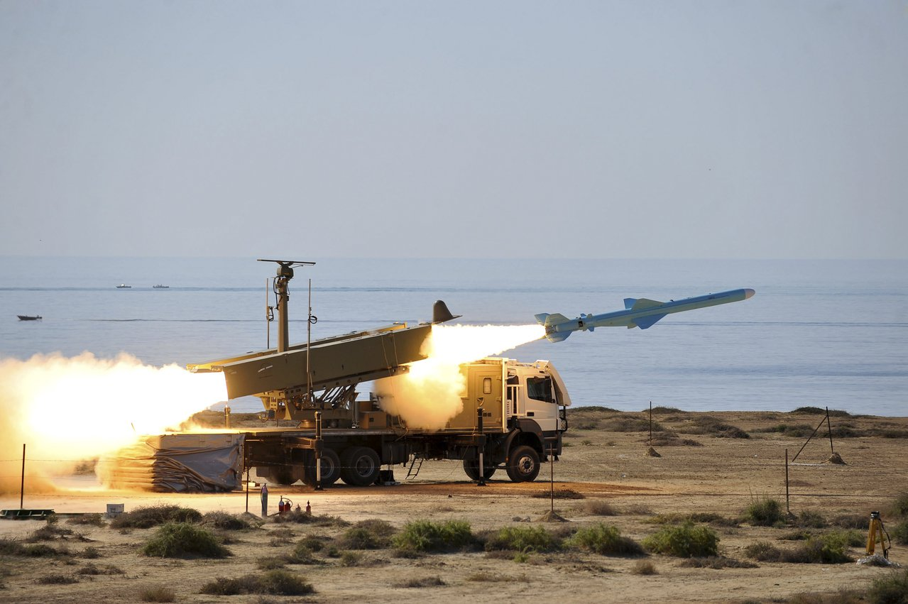 伊朗試射巡弋飛彈。美聯社