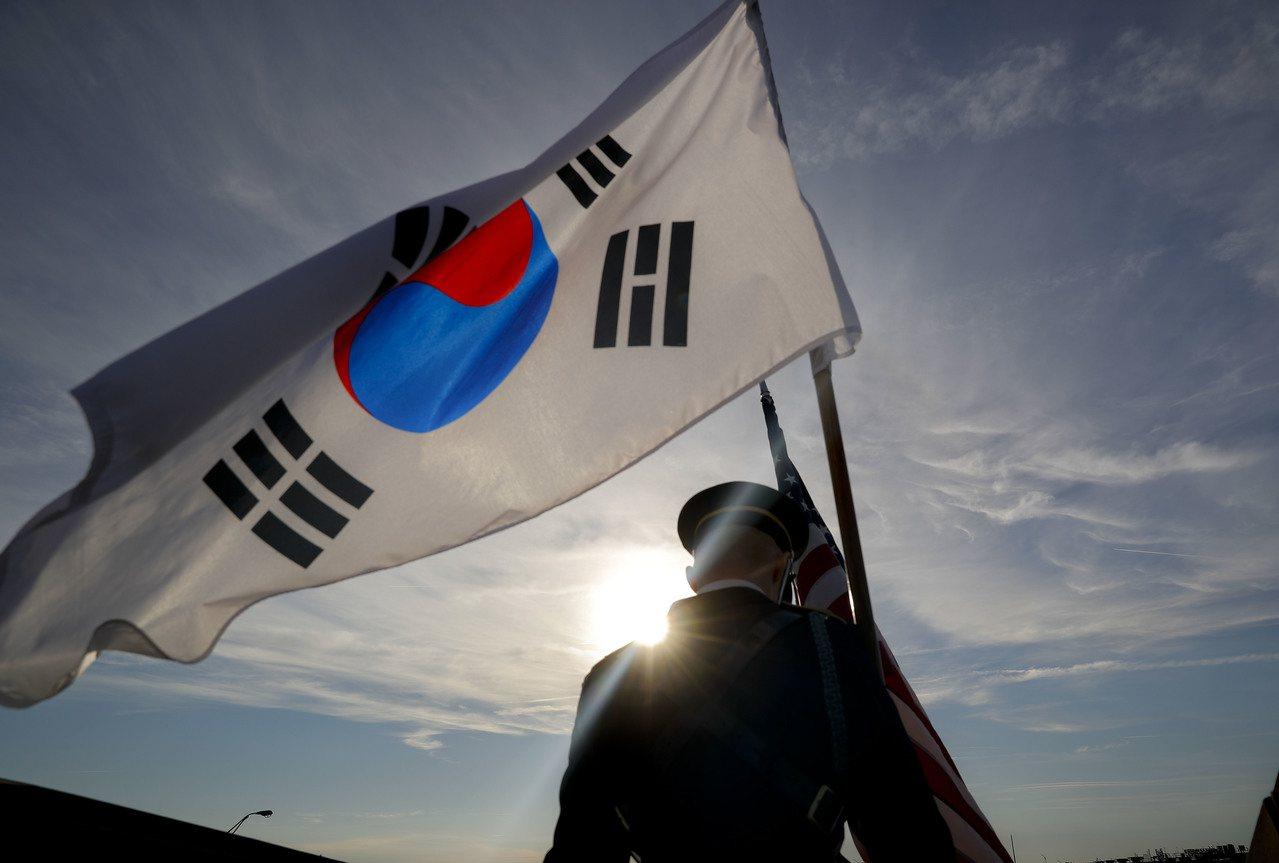為對抗出生率下滑導致的人口快速老化,南韓政府發表一連串勞動力改革計畫。 美聯社