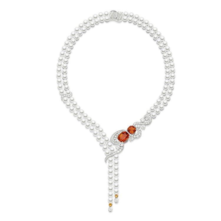 伯爵金燦綠洲系列頂級珠寶「極致魅惑」錳鋁榴石頂級珠寶珍珠項鍊,595萬元。ㄒ
