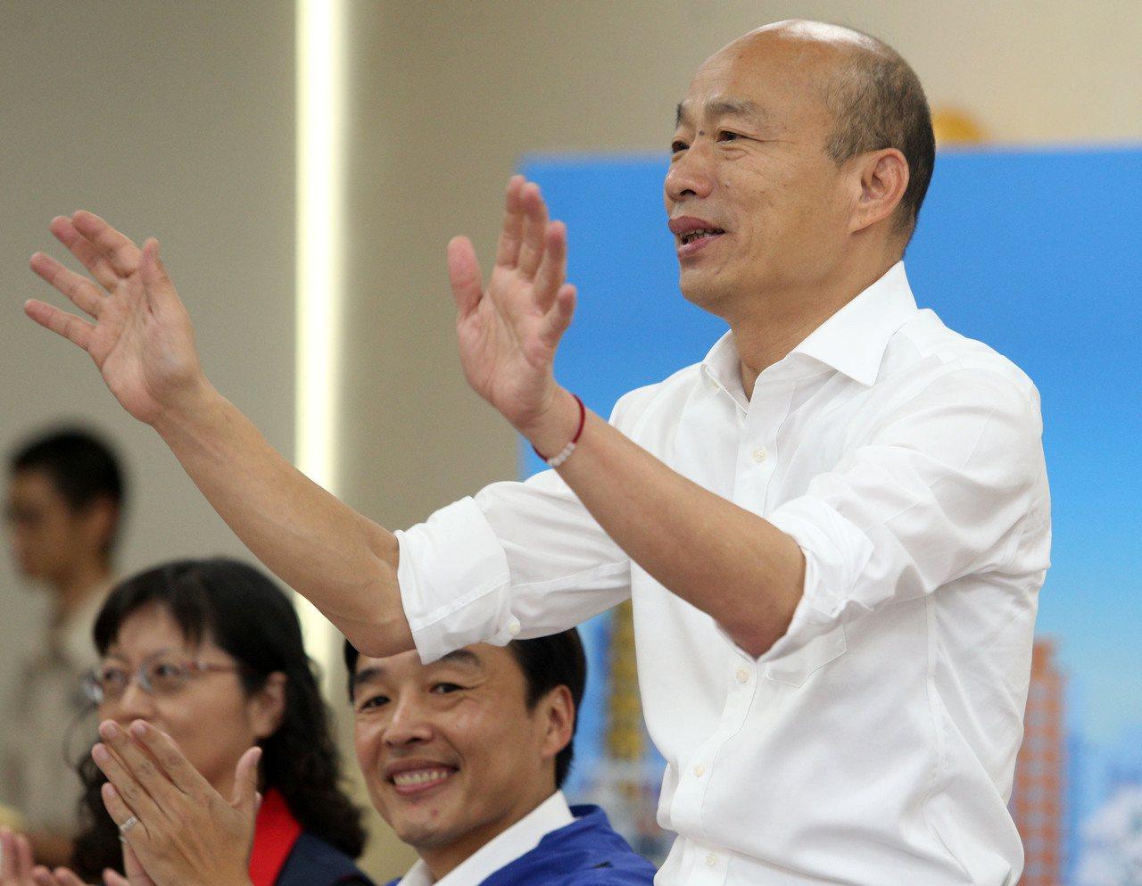 高雄市長韓國瑜昨到左營座談,聽取地方建言。記者劉學聖/攝影