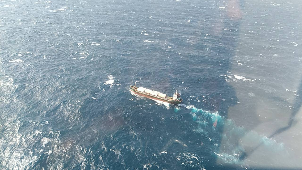 今天上午7時許獅子山籍貨船基隆外海發生船難,13名緬甸籍船員今天上午10許已全數...