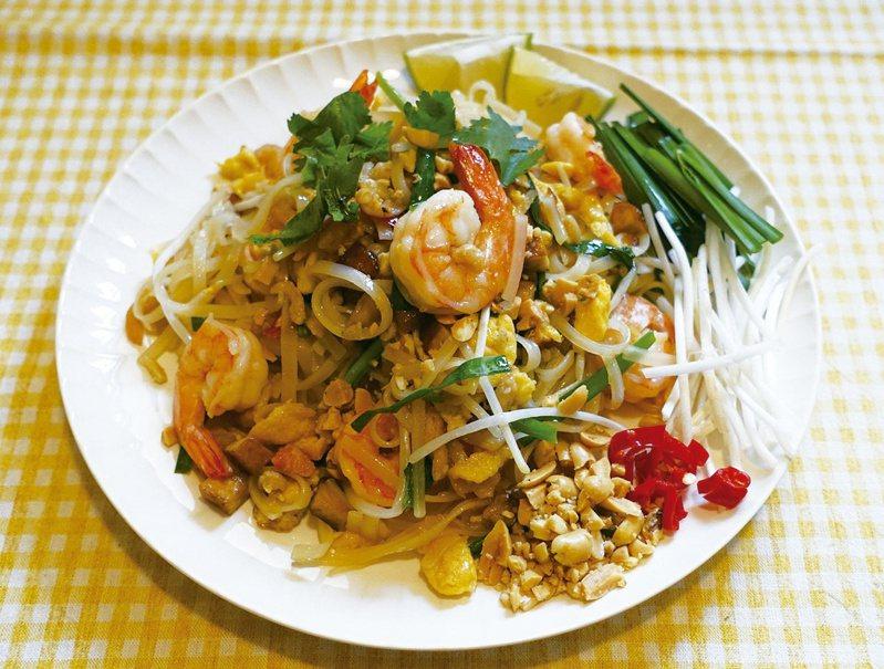 泰式炒河粉也可用客家粄條來炒,一樣鹹香美味。圖/太陽臉
