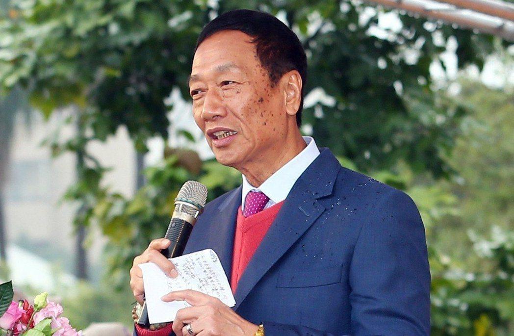 郭台銘曾說「我一定會遵循媽祖的指示」參選總統,但如今他已宣布不連署獨立參選。圖/...