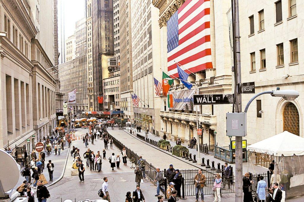 上周起美債ETF陸續爆量,鉅額交易升溫。 網路照片