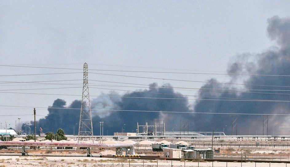沙烏地阿拉伯石油設施上周末遇襲導致產量腰斬事件,持續在亞洲激起漣漪效應。 路透