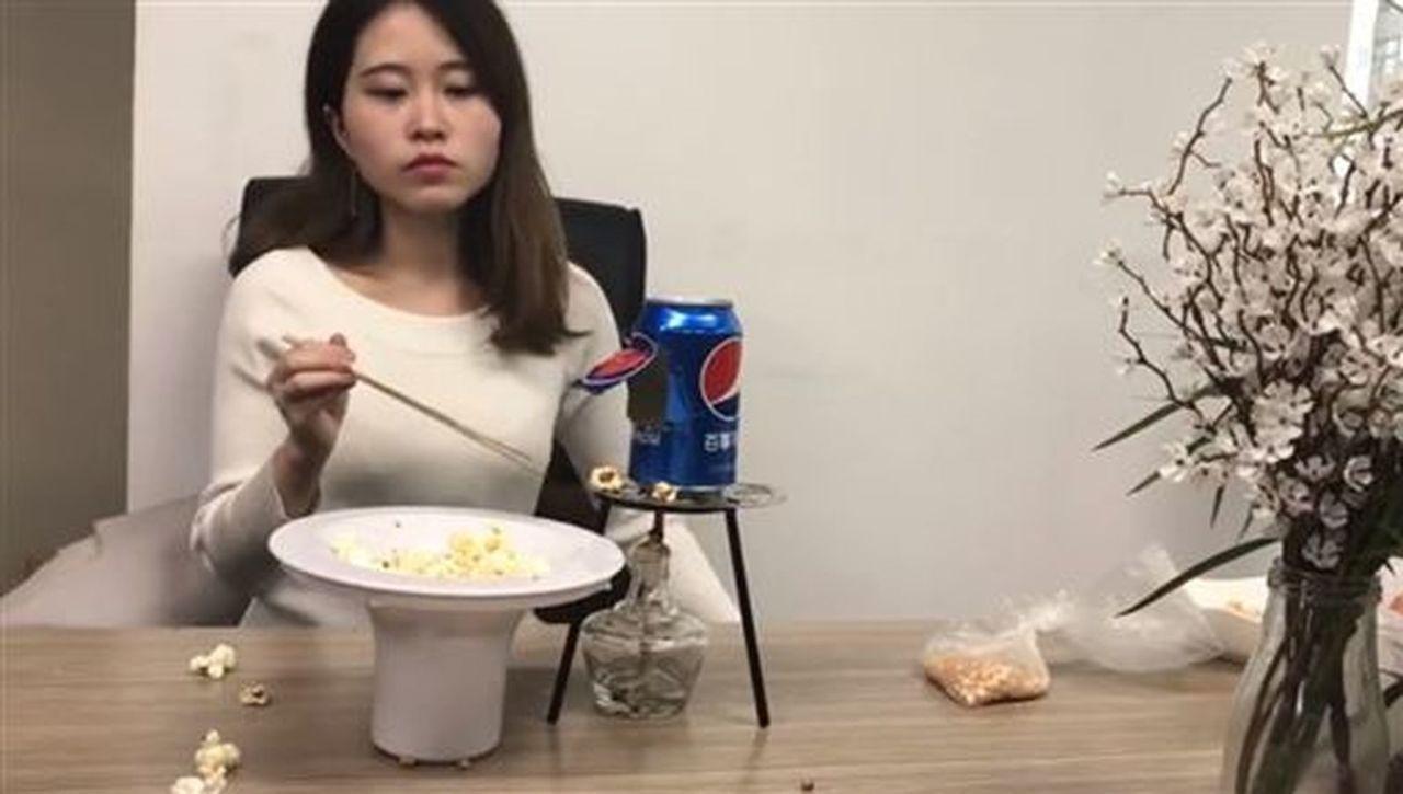 模仿汽水罐自製爆米花死亡,辦公室小野與家屬和解。 (取材自微博)