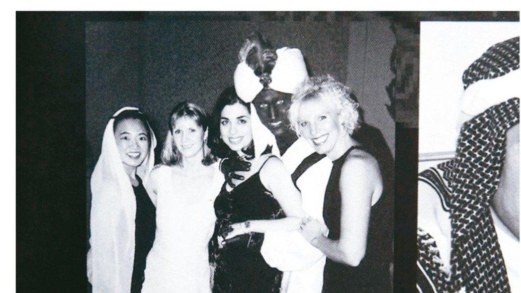 杜魯多(右二)當年的黑臉照曝光。 取自Time網站