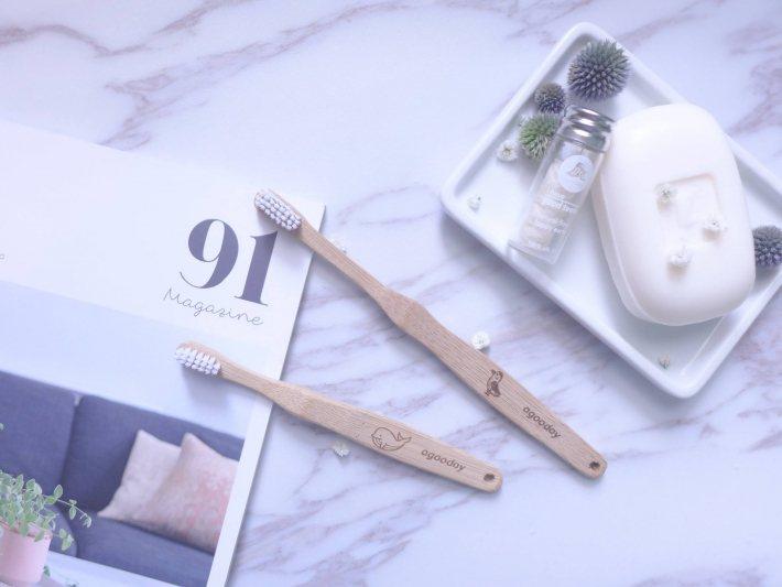 好日子推出的第一個商品是零塑化劑、可 100% 自然分解的竹牙刷。 圖/好日子