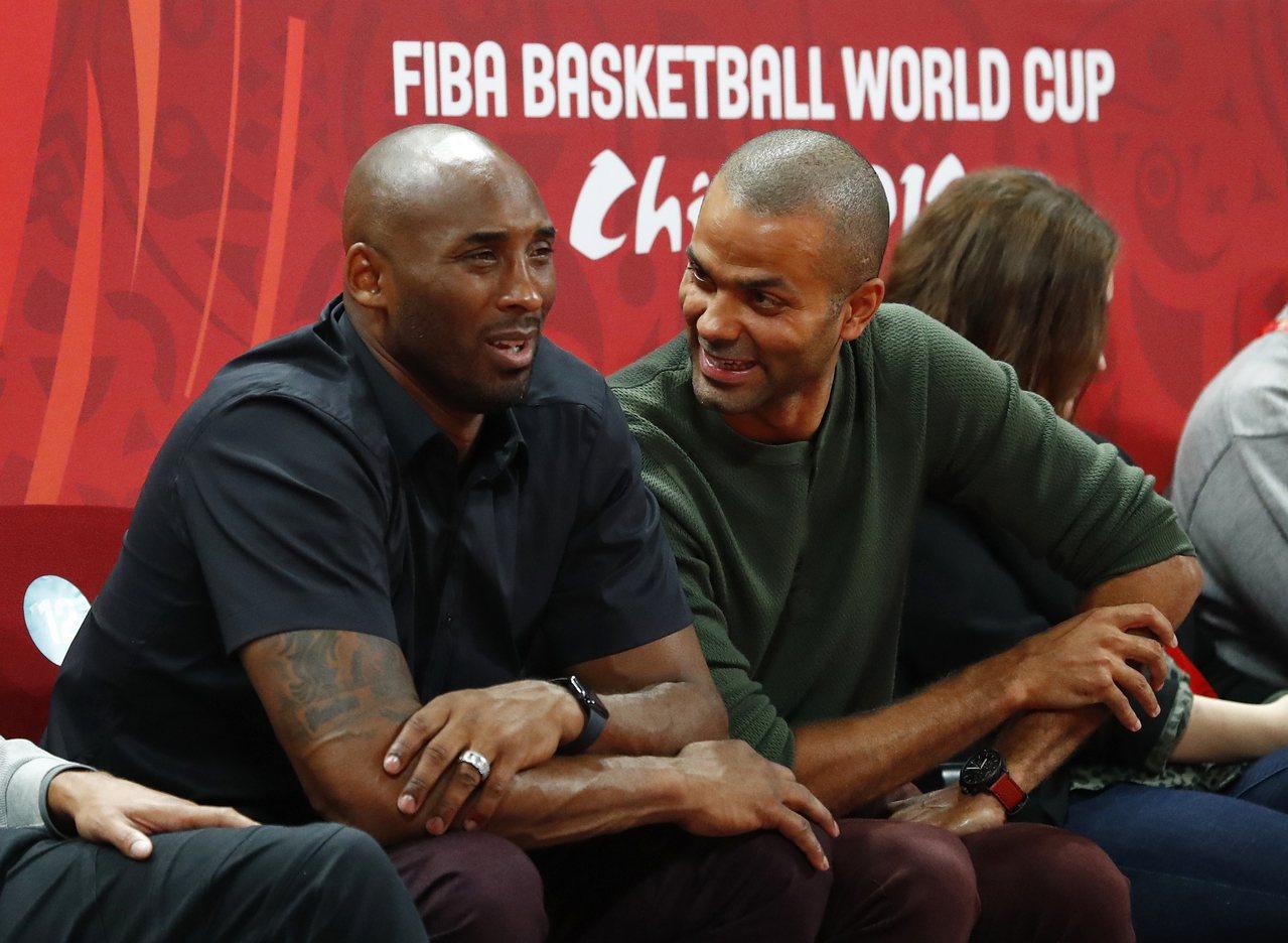 布萊恩(左)是世界盃男籃賽大贏家。 路透
