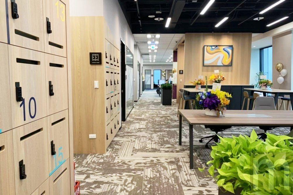 以創意綠建築打造、標榜以開放空間為主軸的辦公環境