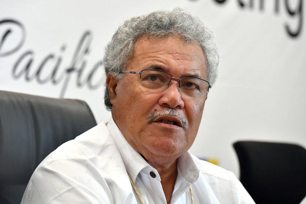 吐瓦魯新國會議員今天選出新總理。圖為前任總理索本嘉(Enele Sopoaga)...
