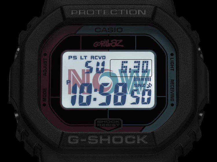 G-Shock GW-B5600GZ腕表,具有LED背光Logo,開啟照明後會浮...