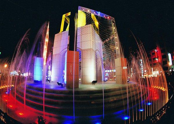 雲林縣政府與斗六市公所有意重現斗六圓環水舞秀,圖為水舞模擬圖。圖/縣府提供