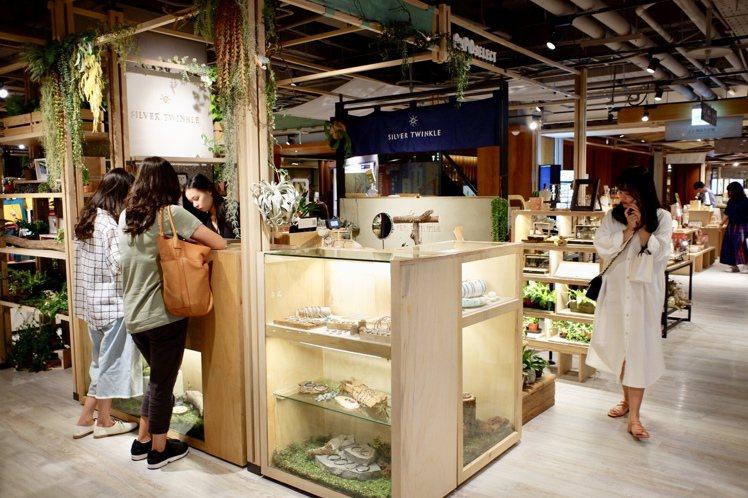 誠品南西店全店營收有7成來自女性消費者,「女子經濟」為各店之冠。記者江佩君/攝影