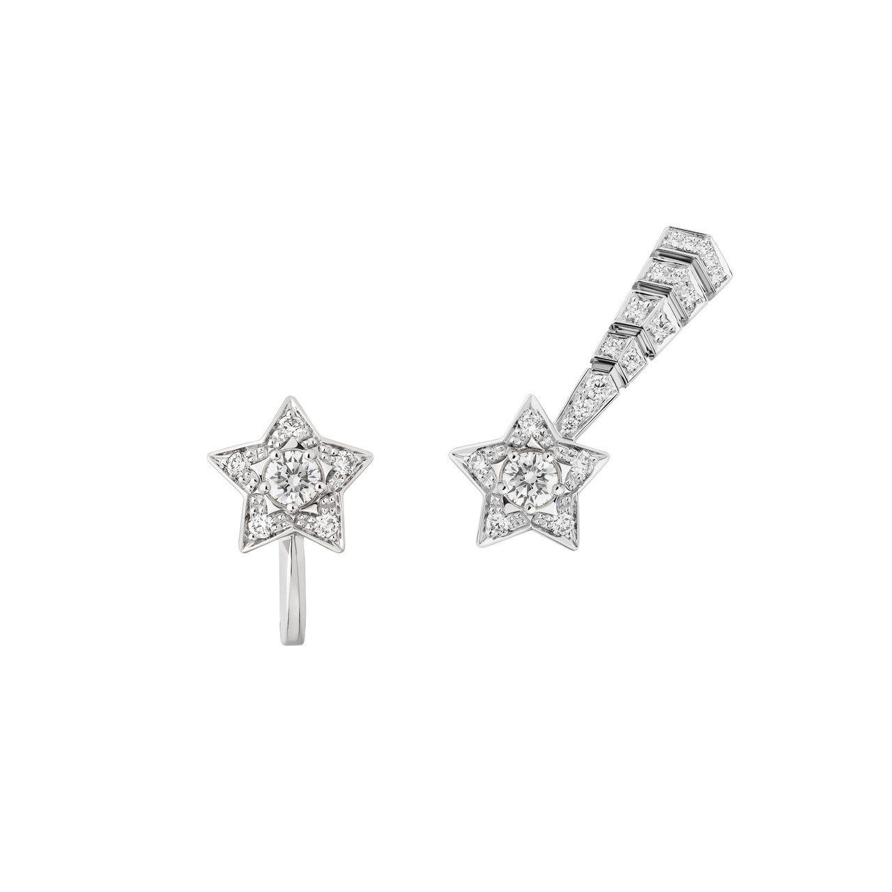 香奈兒Comète流星不對稱耳環,18K白金中央鑲嵌兩顆各0.15克拉鑽石及27...