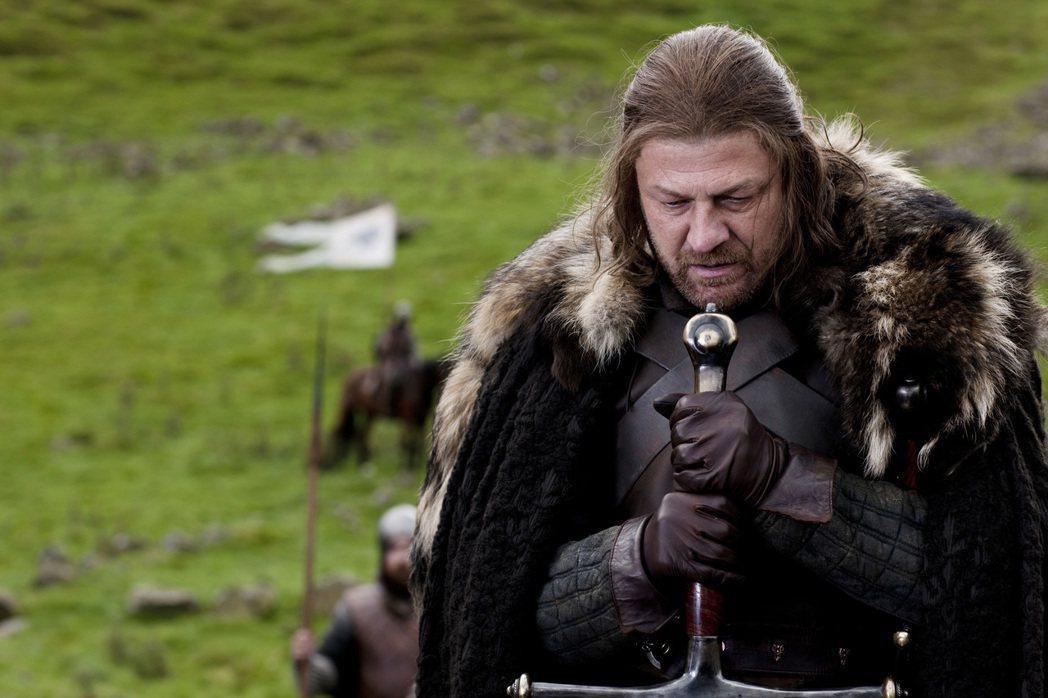 「冰與火之歌:權力遊戲」中西恩賓的角色被陷害、斬首。圖/摘自HBO