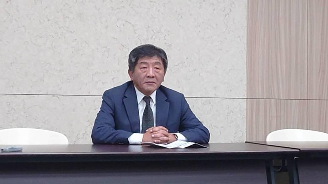 衛福部部長陳時中(圖)晚間約八時親上火線說明,韓國瑜提出的長照政見,除非一個便當...