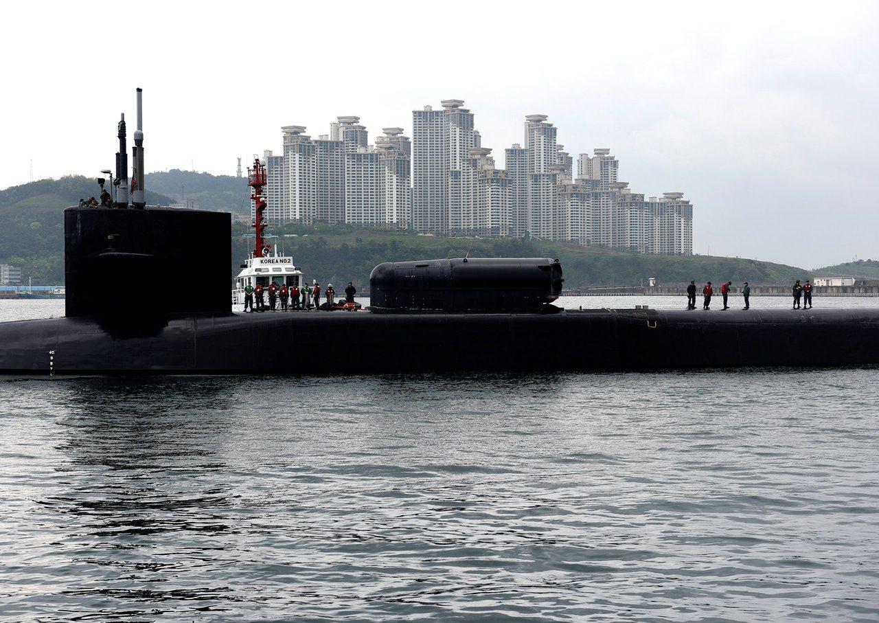 美军俄亥俄级的导电潜舰密西根号。路透