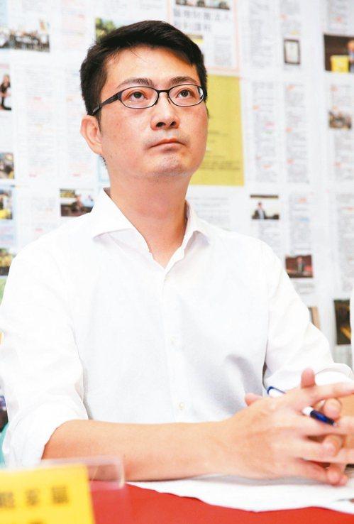 時力立委黃國昌國會辦公室主任賴嘉倫將對上賴品妤。 記者徐兆玄/攝影