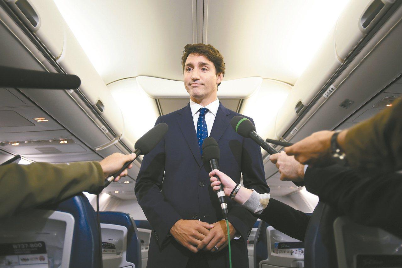 加拿大總理杜魯多為「阿拉丁照」道歉。(美聯社)