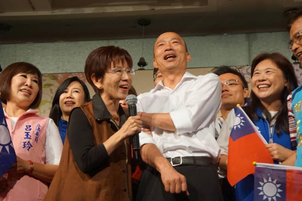 國民黨前主席洪秀柱(前左)挑戰台南「第一綠」的第六選區,黨內力挺。 圖/聯合報系...