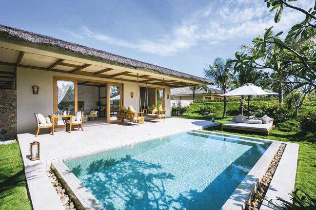 富國島FUSION RESORT的Bedroom villa泳池。 圖/品冠旅遊...
