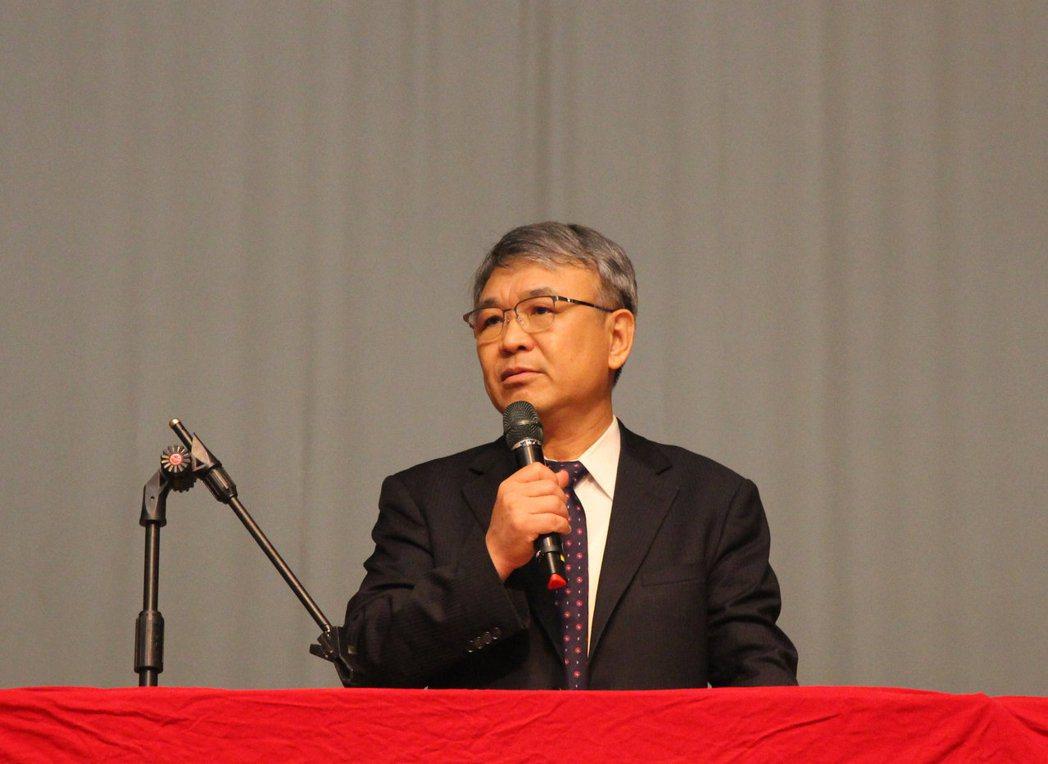 義大校長陳振遠開訓時,期勉新生「跨域創新 競逐全球」。 義大/提供
