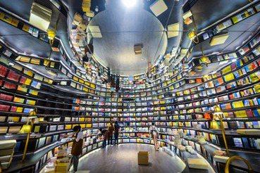 關於「選書師」這門職業及戀書癖的聯想(下):書架即宇宙