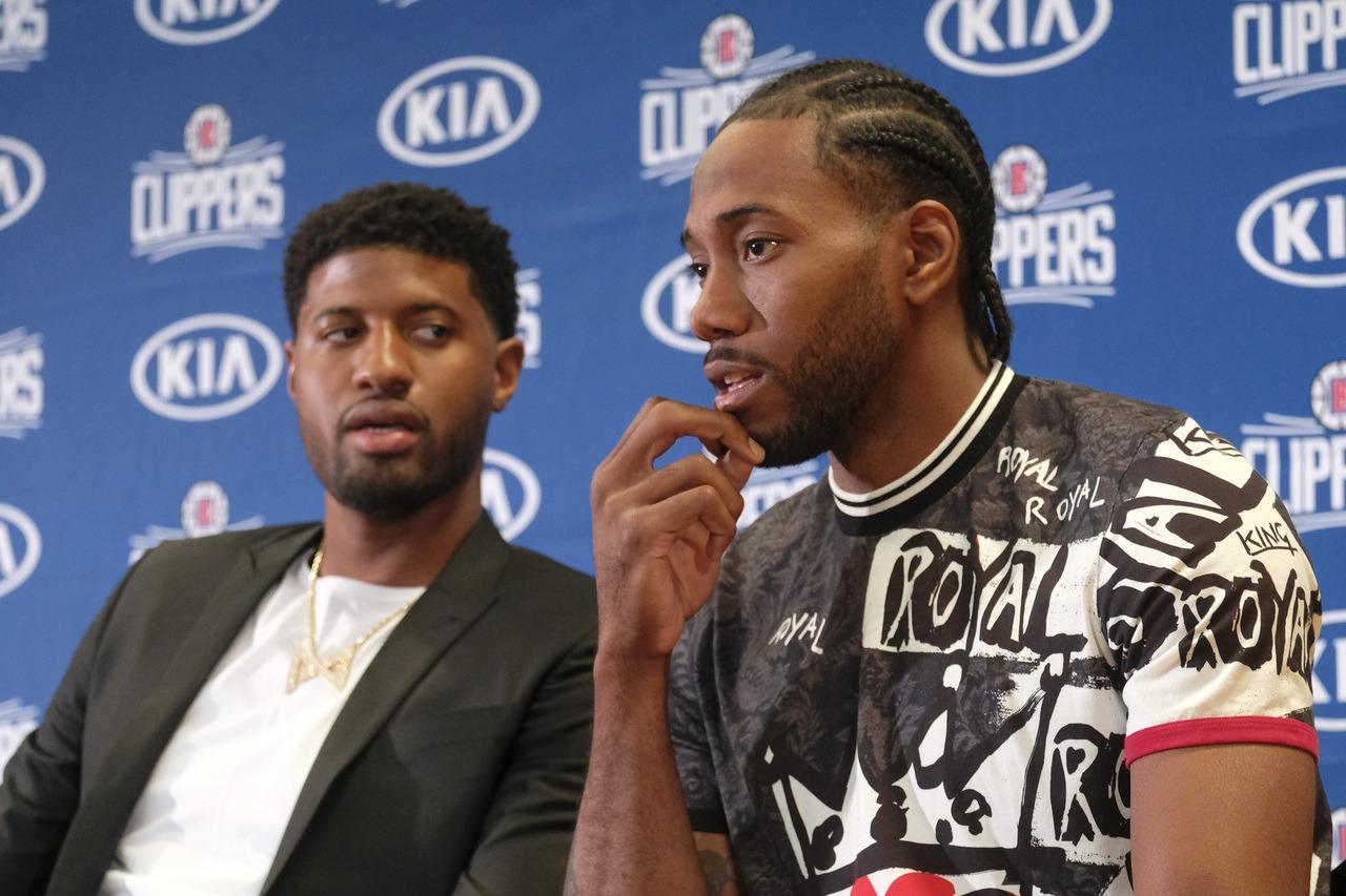 NBA權威記者沃納羅斯基爆料,雷納德(右)與喬治(左)早在球團知情前,就已經私下...