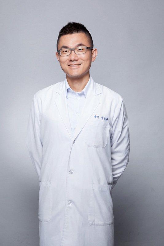 雙和醫院重症醫學科主任曾健華醫師提醒,「今年流感疫情未平息,尚有流感重症併發嚴重...
