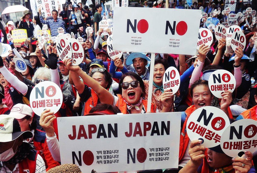「韓國客不來,日本觀光完蛋?」日韓貿易衝突導致雙方關係急遽惡化,除了半導體原料和...