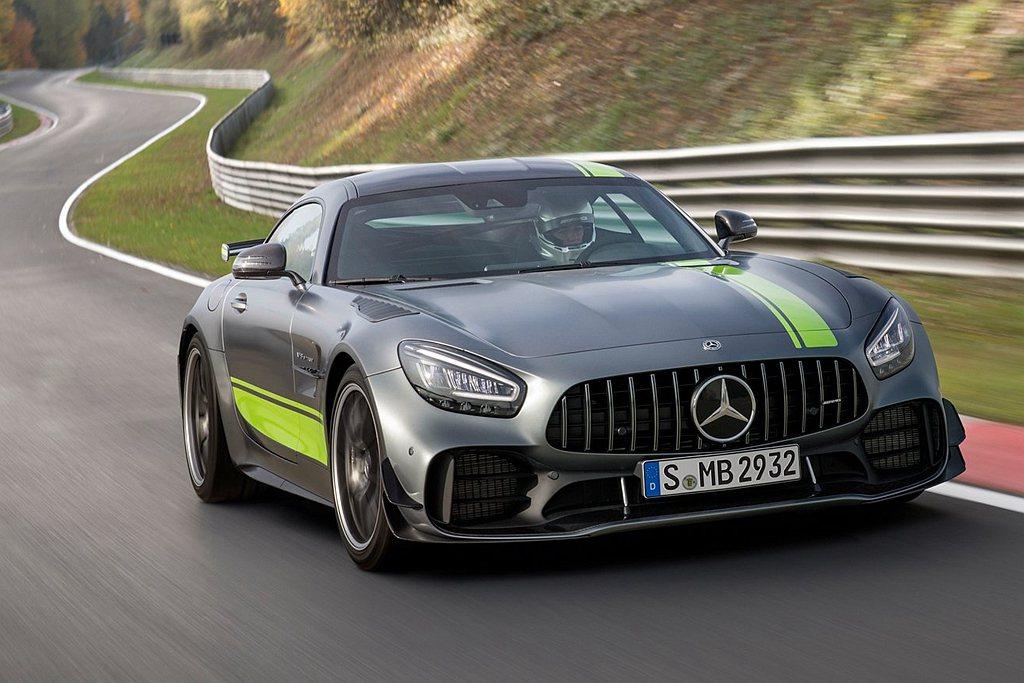去年底於洛杉磯車展問世的Mercedes-AMG道路版廠車GT R Pro,更將...
