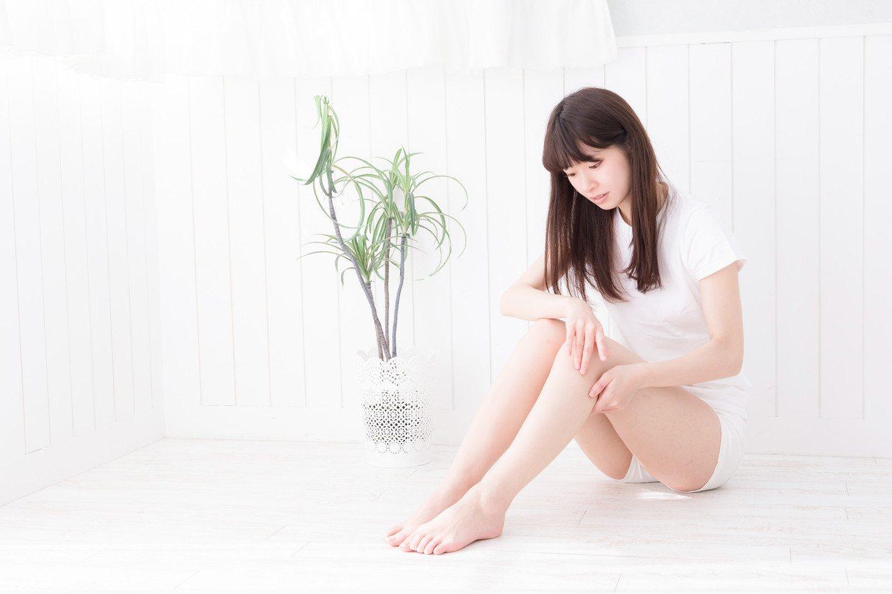 秋冬季到了,手腳冰冷讓你睡眠變得不好嗎?圖/摘自pakutaso