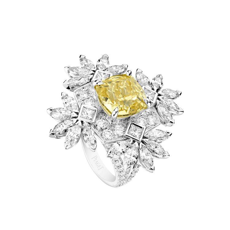 伯爵金燦綠洲系列Treasures黃鑽頂級珠寶鑽石戒指,主石為枕形切割豔彩黃鑽約...