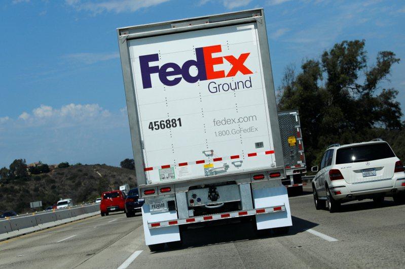 美國聯邦快遞公司(FedEx)傳出一名機師在廣州被捕,由於近來頻頻出事,聯邦快遞恐被大陸列入研議中的「不可靠實體清單」。(路透)
