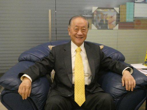 新黨主席郁慕明表示,不論是區域立委或是不分區立委選舉,新黨都會提名,要搶進國會成...